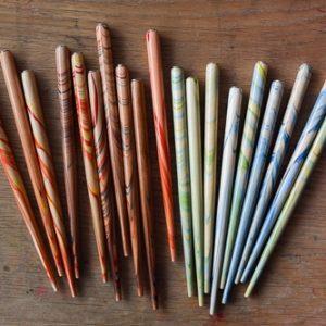 Suport colorat din lemn pentru penita - Brause